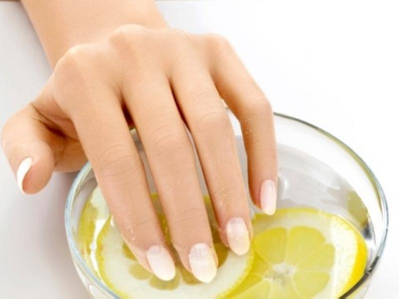 Ломкость ногтей  причины и лечение