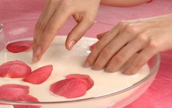 Как правильно делать классический обрезной маникюр: пошагово